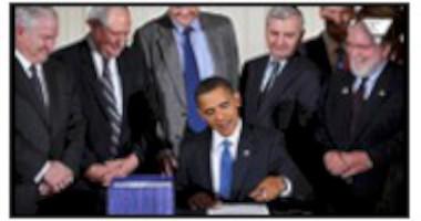 Obama f�rsvarar krigslagar och diktatoriska befogenheter